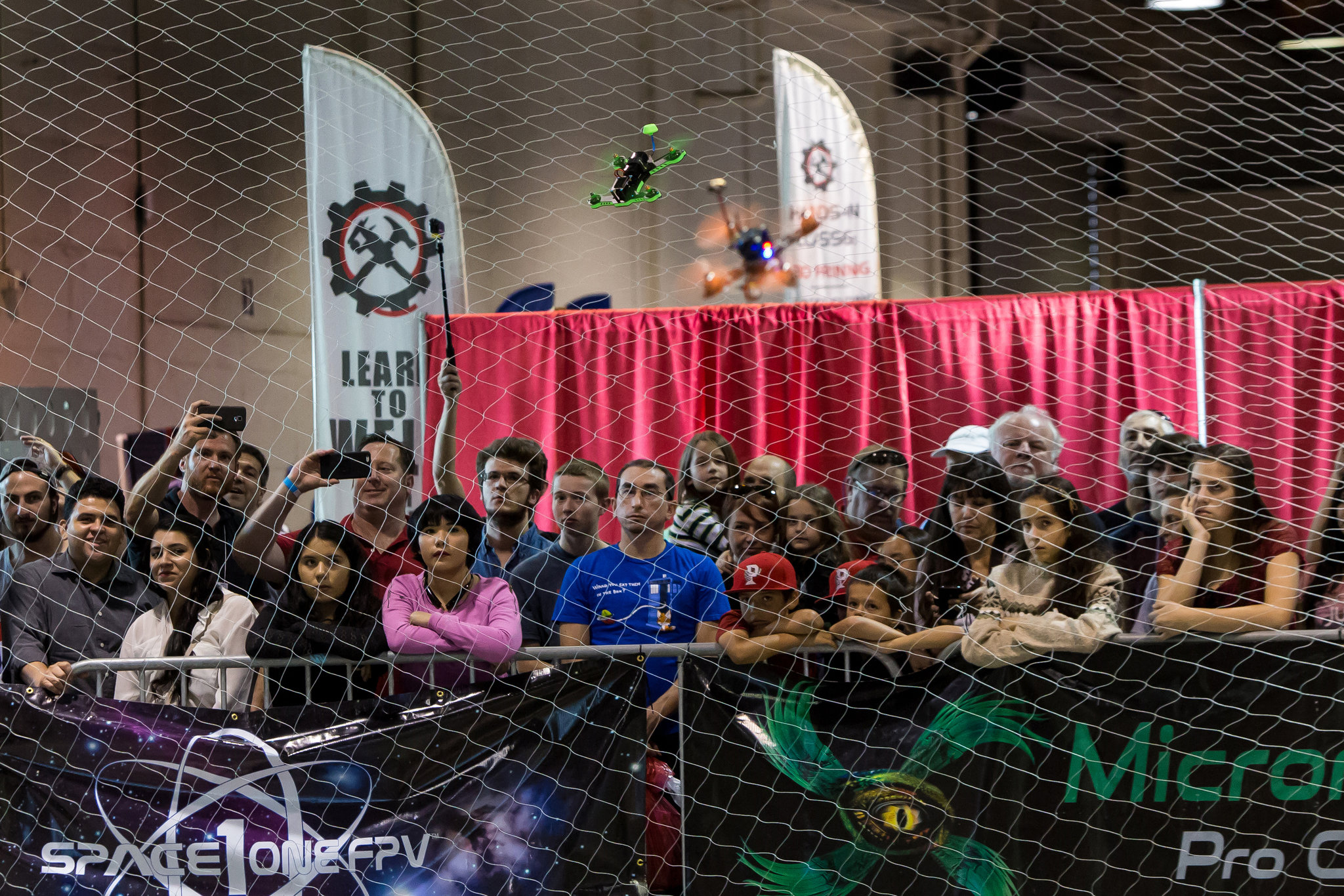 FPV race crowd